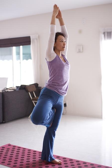 比屋根優子 yoga